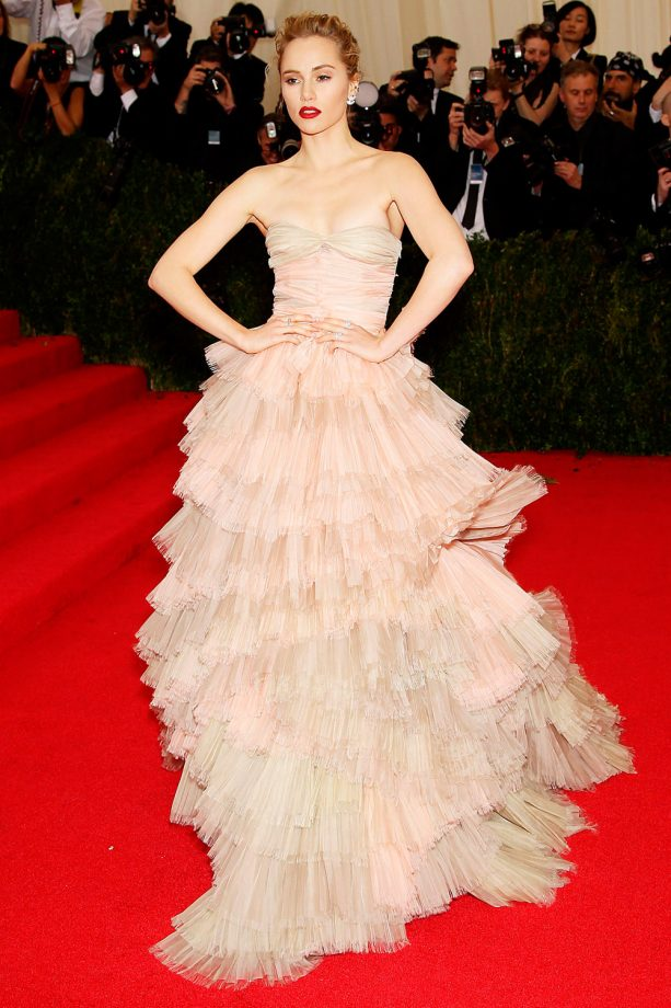 Suki Waterhouse on the red carpet at the Met Ball 2014