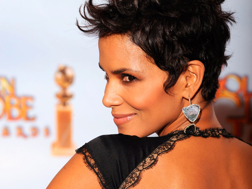 Celebrity Plastic Surgery Halle Berry