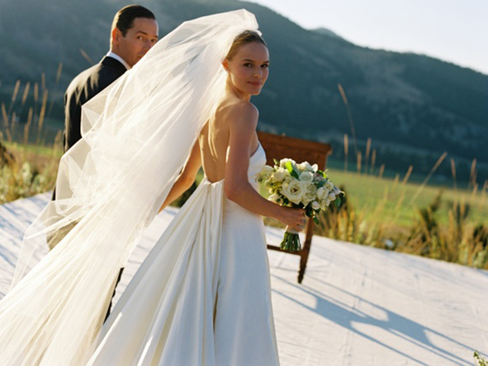 Modern wedding dresses the celebrity bride style edit oh come on you didnt think we could leave the duchess out of our modern brides round up did you the dress itself has traditional aspects yes junglespirit Choice Image