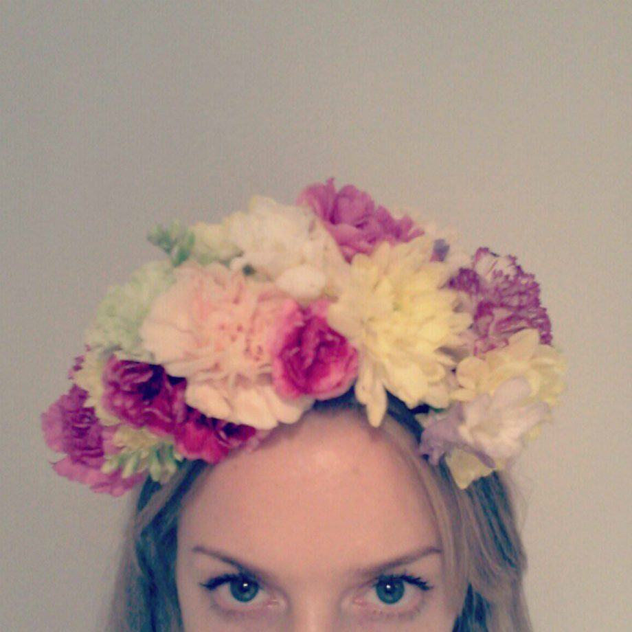 How to make a flower crown how to make a flower crown flower crown dhlflorist Choice Image