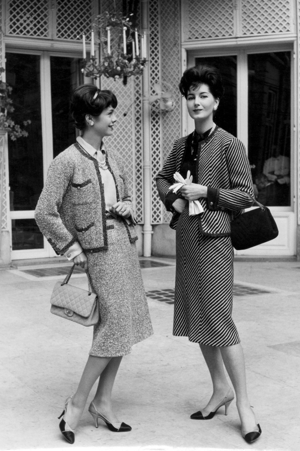 Chanel suit 1950s fashion moments