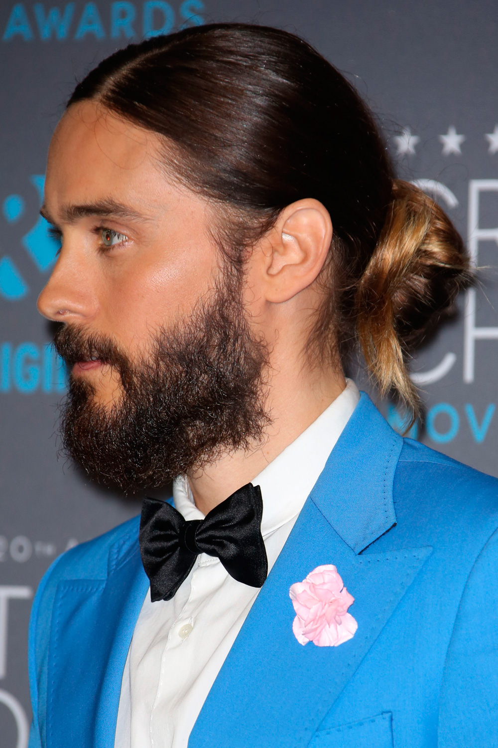 Guys With Blue Eyes And Blonde Hair: Hot Guys With Man Buns