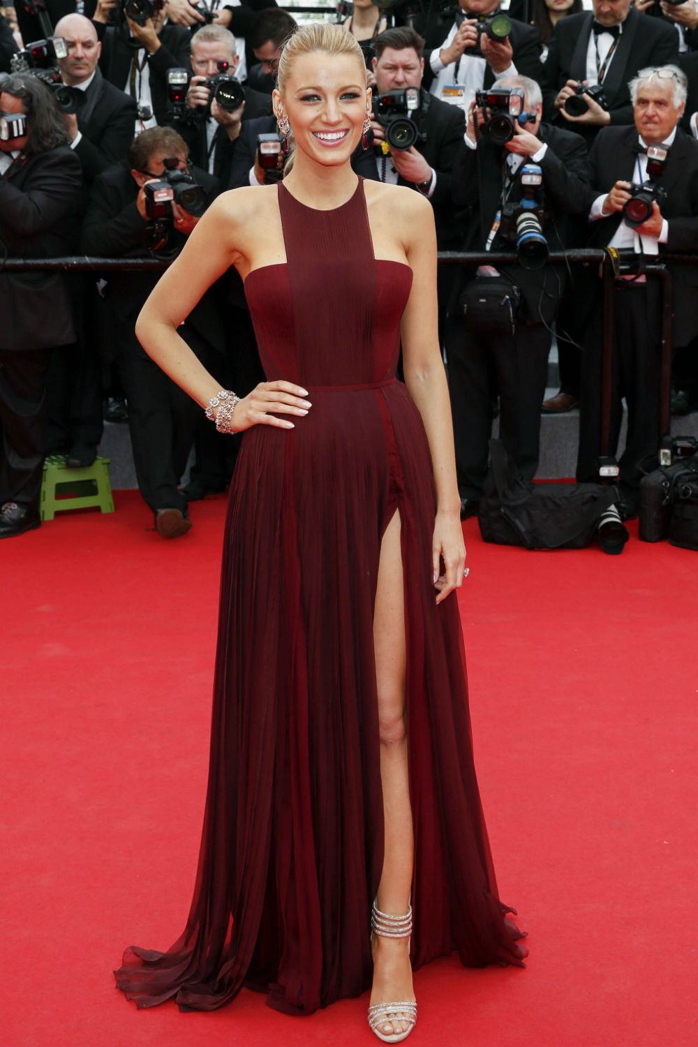5bcd0cbf899 Blake Lively Wears Gucci Dress For Cannes Film Festival 2014 Opening