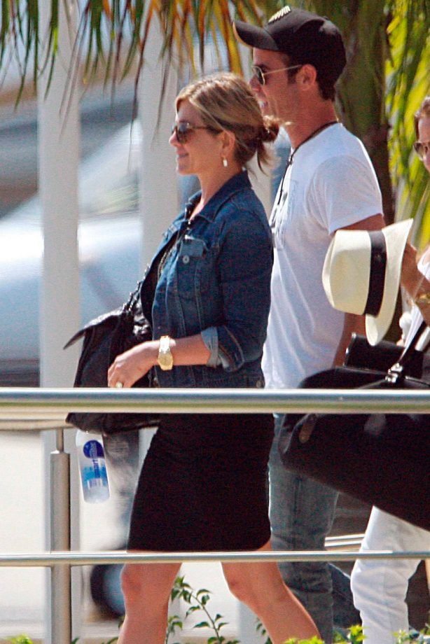 Jennifer Aniston and Justin Theroux in Mexico