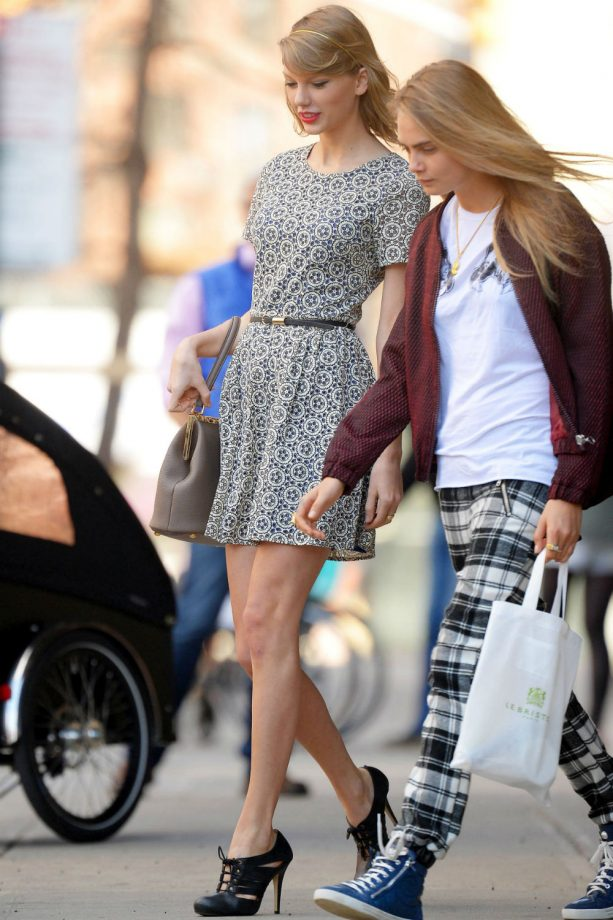 Taylor Swift and Cara Delevingne hang out in New York City