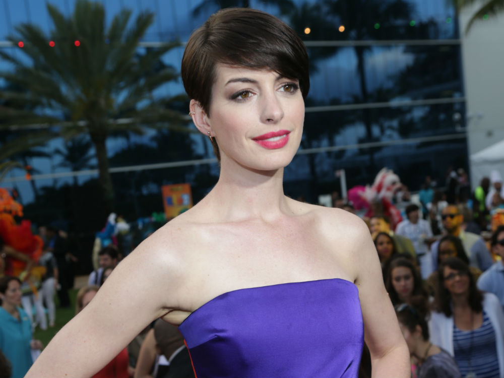 Celebrity Plastic Surgery Anne Hathaway