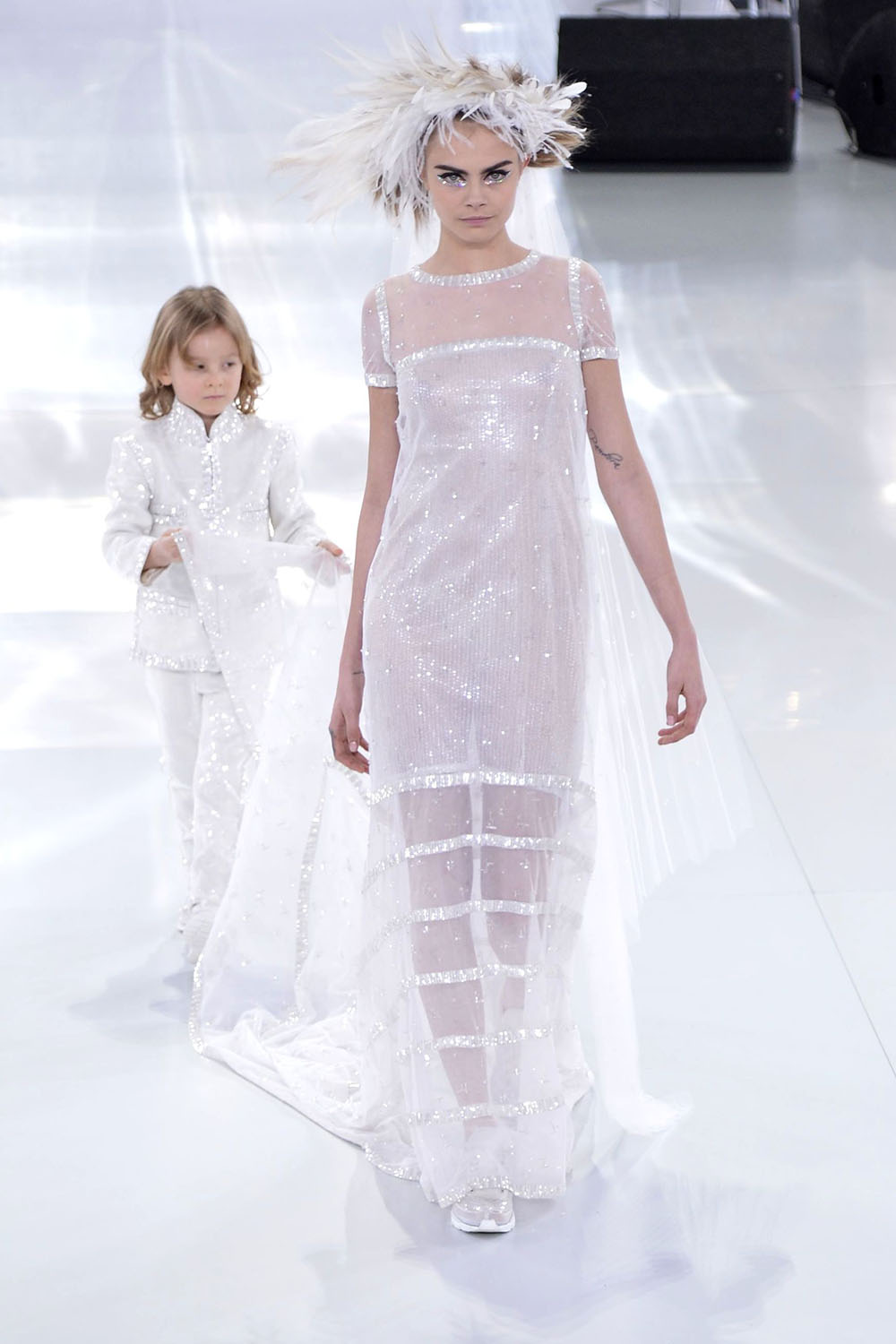 Best chanel wedding dresses these are the celebrity for Coco chanel wedding dress