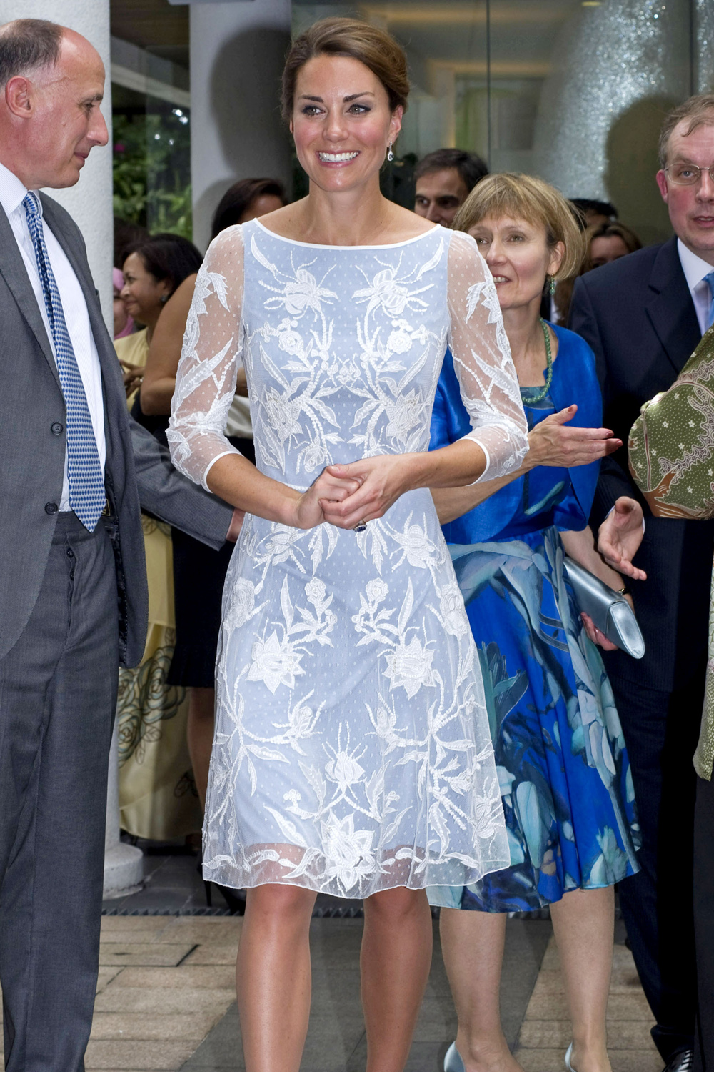 Kate middleton 39 s favourite brands the duchess of for Kate middleton wedding dress where to buy