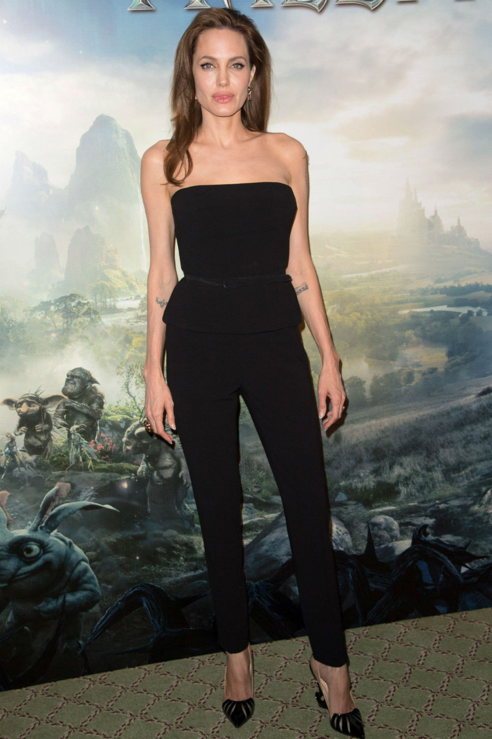 Angelina Jolie Wears Shoes With Horned Heels At The Maleficent Photocall