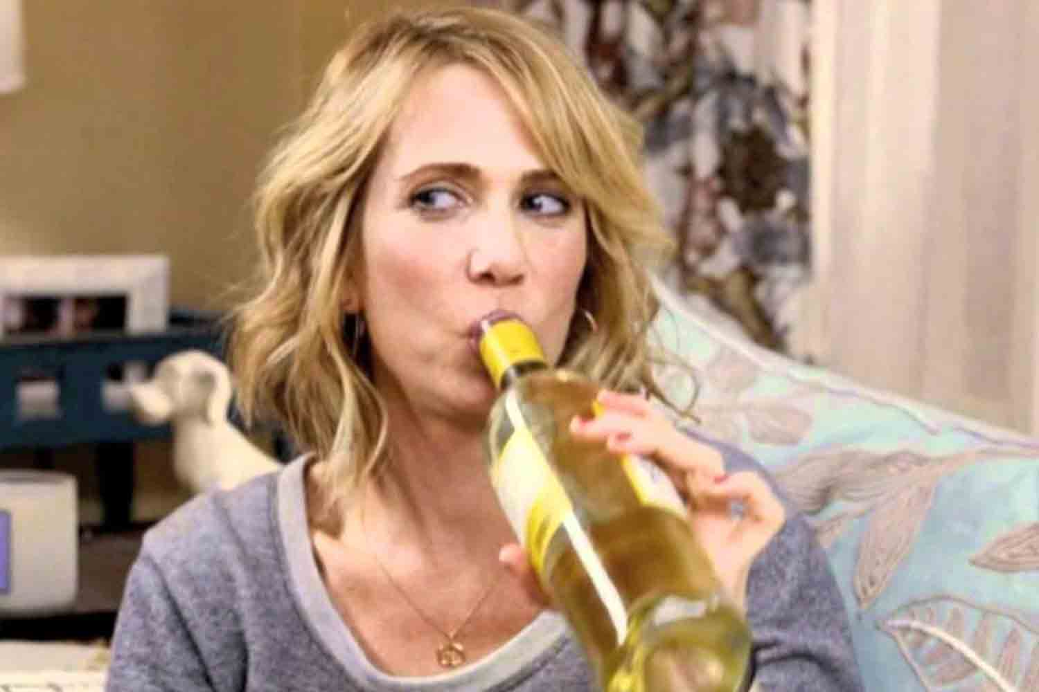 Drinking Wine Before Bed Helps You Lose Weight. Seriously ...