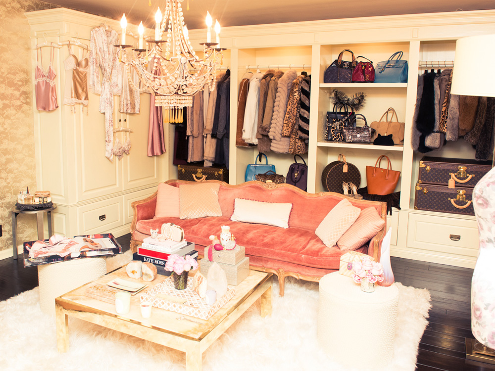 Well Yes Until You Realise There Are 10 More Wardrobes Where This One Came From Supermodel Miranda Has Within Walk In See