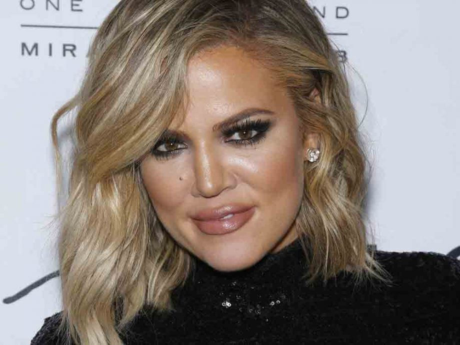 Khloe Kardashian smoky eye makeup