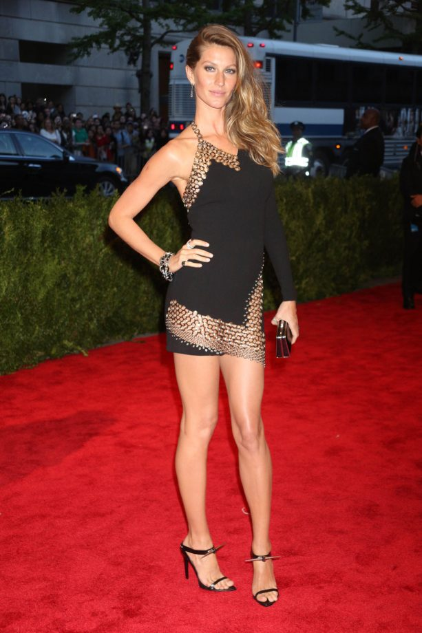 celebrity wearing Anthony Vaccarello