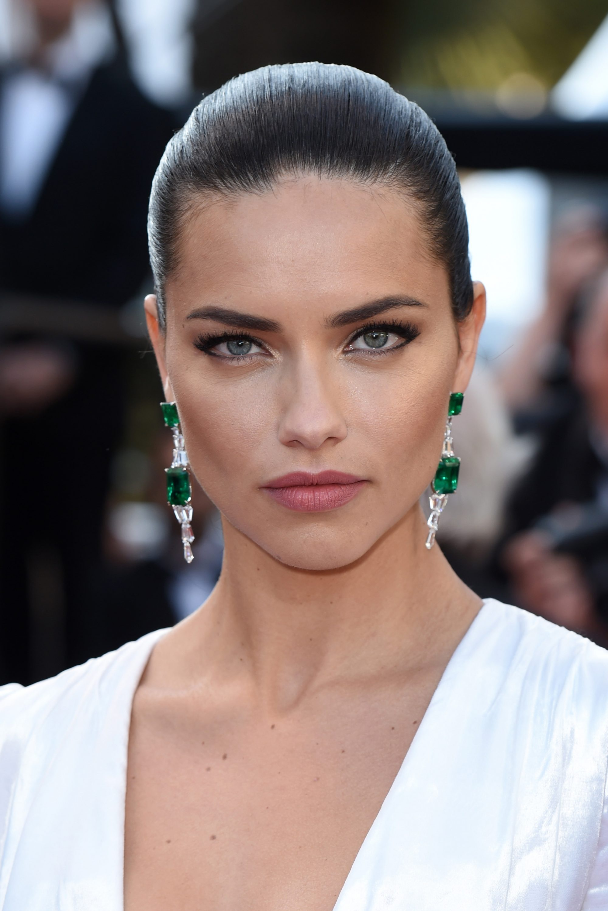 Best-Beauty-Cannes-Film-Festival-2016-Adriana-Lima--e1501163450723.jpg