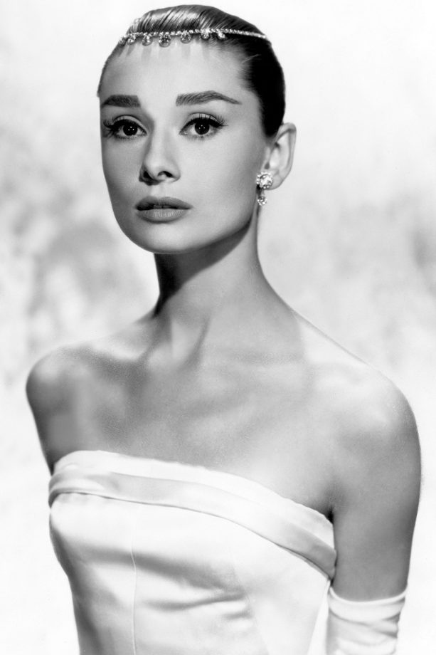 Audrey Hepburn S Best Hairstyles From Breakfast At Tiffany S To