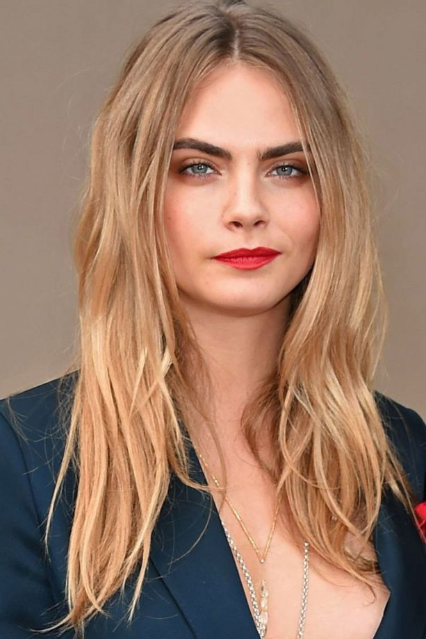 Hairstyles for round faces the best celebrity styles to inspire you cara delevingnes hairstyle for round faces urmus Gallery