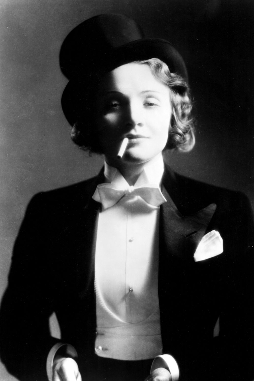Marlene Dietrich 1930s fashion icons