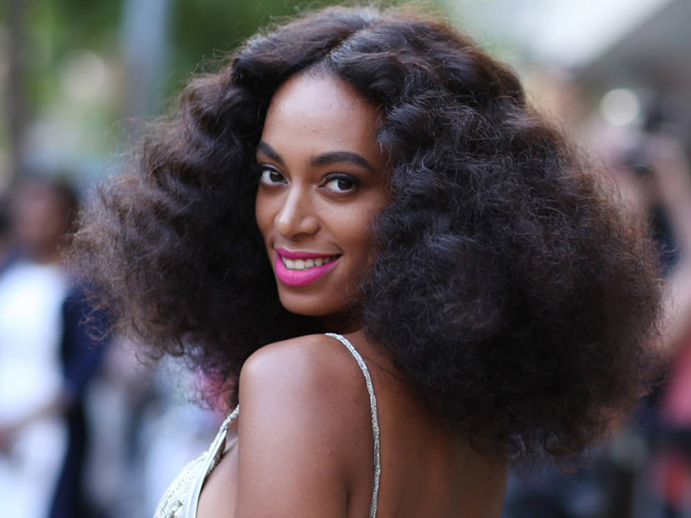 Best Curly Hair Products - Styling curly dry hair