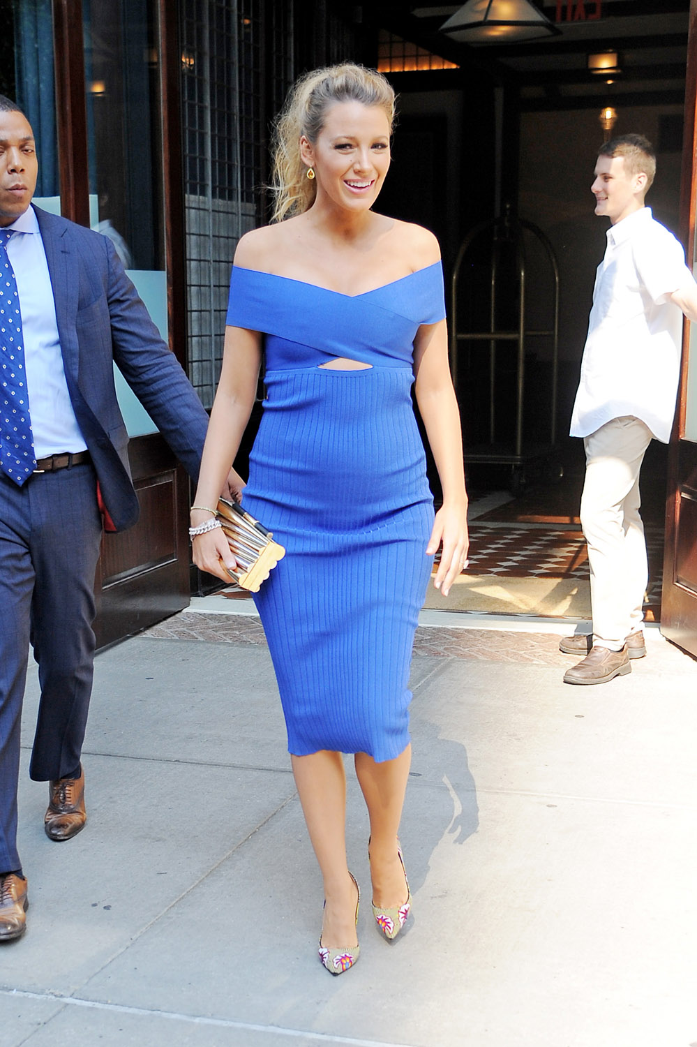 cdbaedacf9 Blake Lively s Pregnancy Style Decoded