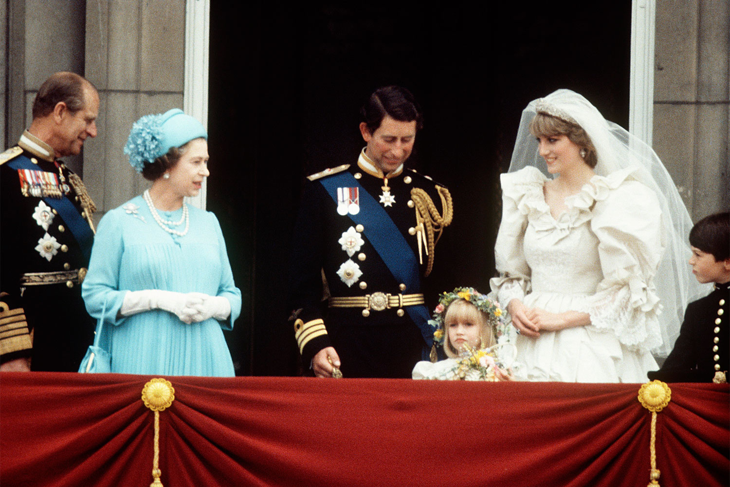 this is why princess diana had a second wedding dress - Princess Diana Wedding Ring