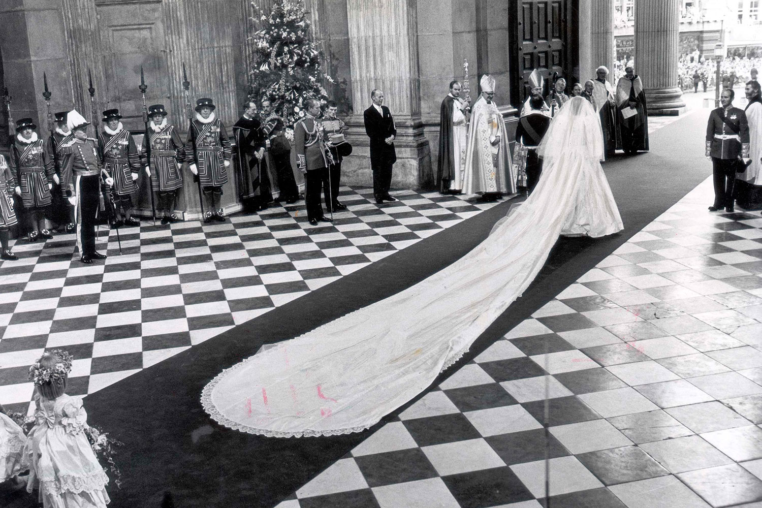Princess Diana\'s Wedding Dress Had A Secret Back-Up Dress