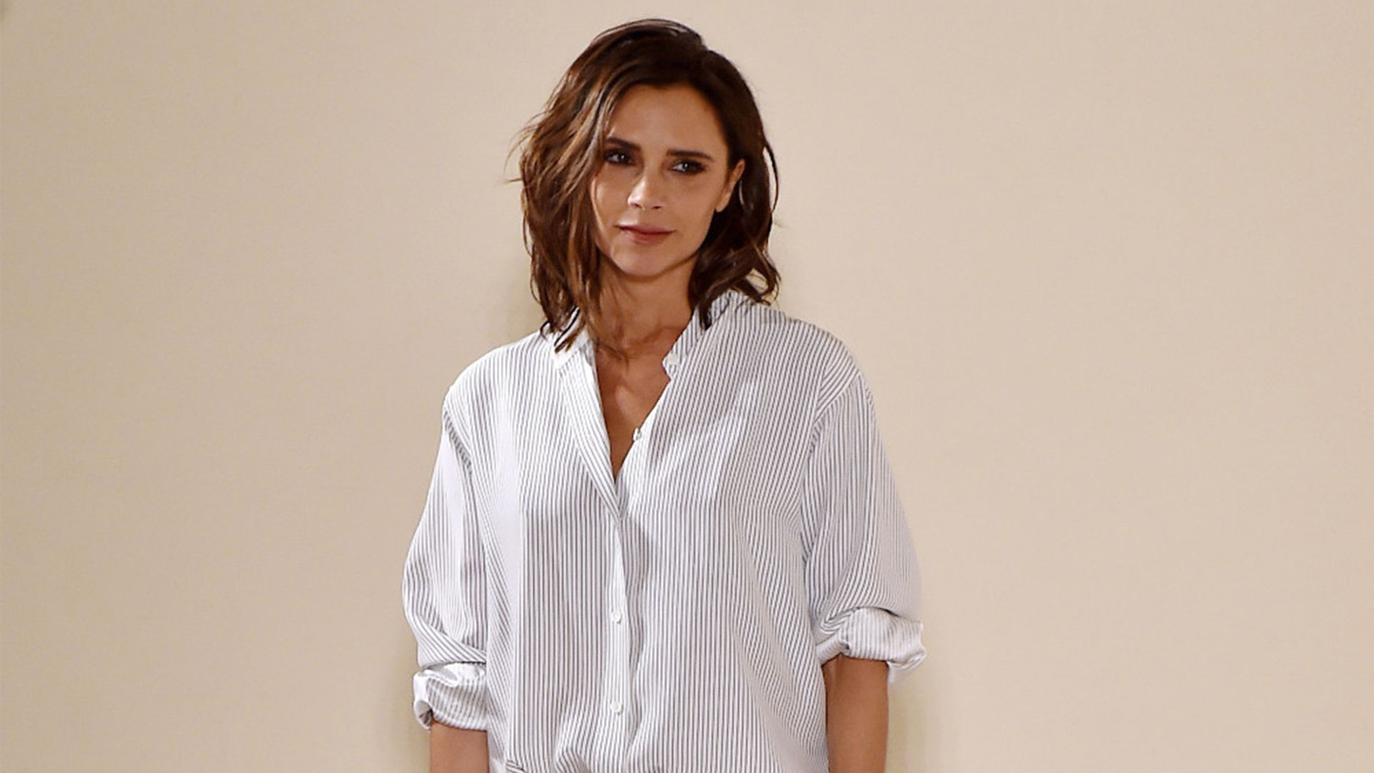 7 unmissable outfits and moments from Victoria Beckham's SS17 show