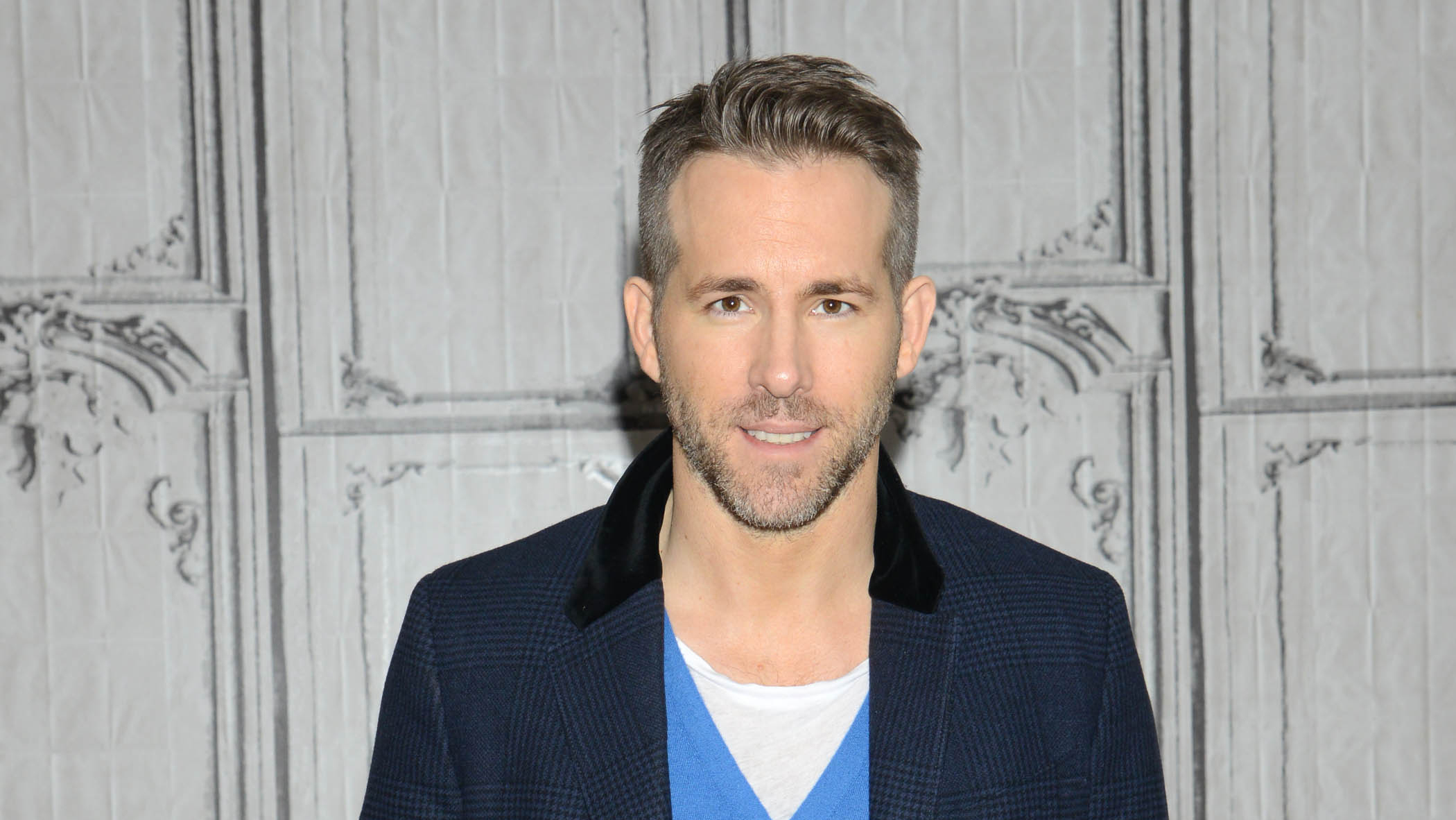 ryan reynolds twitter all the times he was hilarious. Black Bedroom Furniture Sets. Home Design Ideas