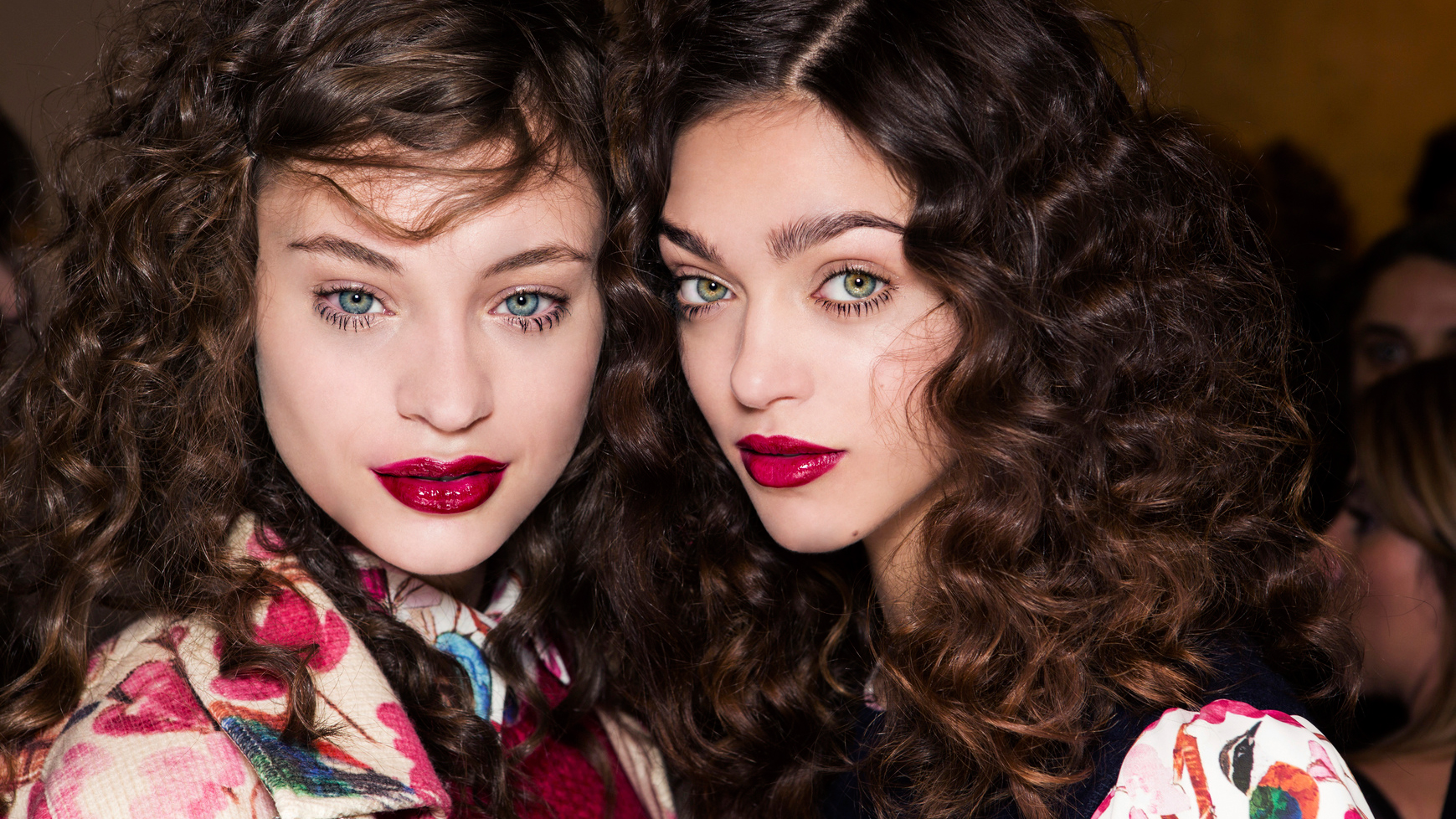 How to manage curly hair when it seems impossible to deal with