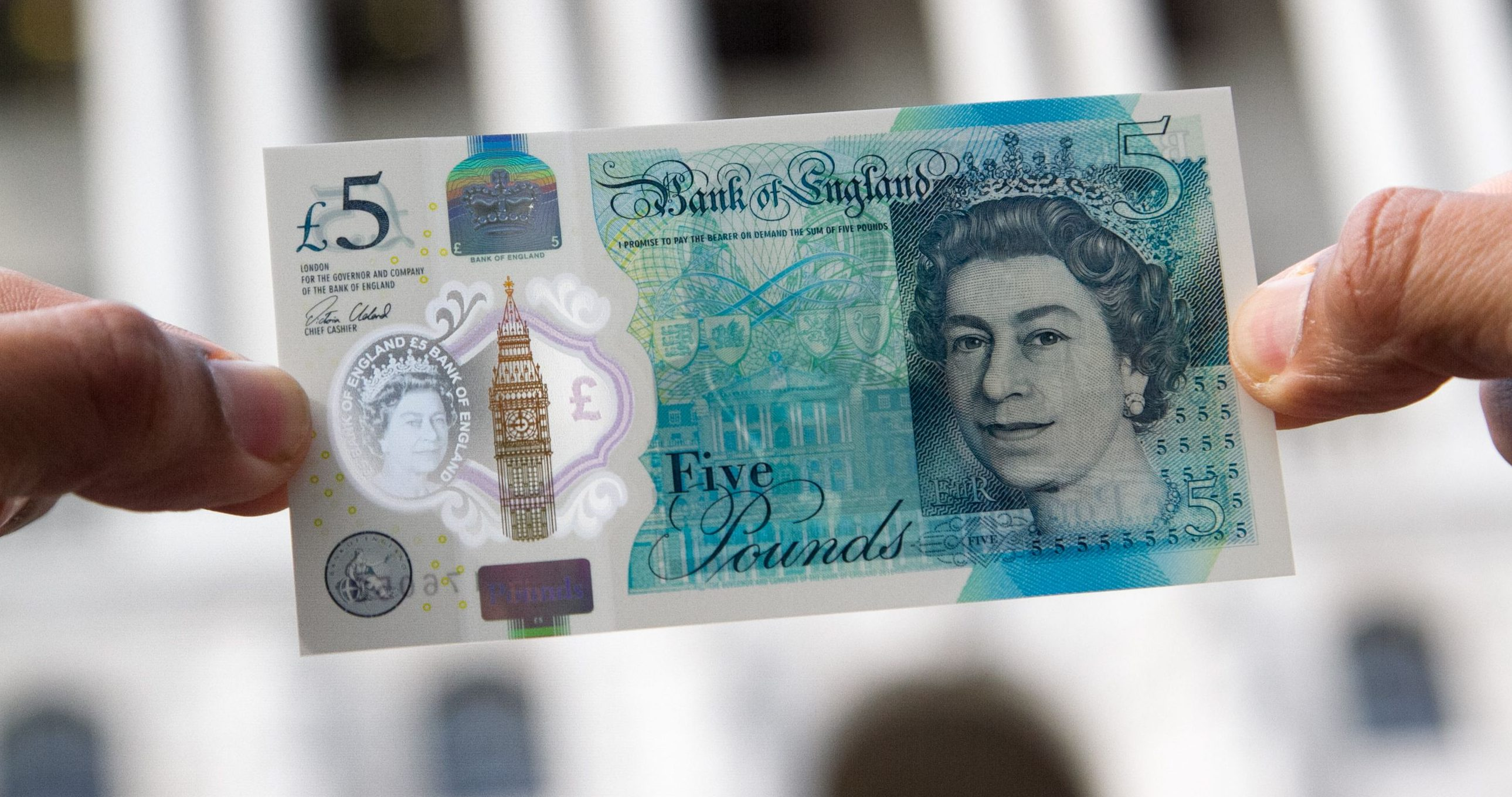 Why shops are refusing to accept the new five pound notes