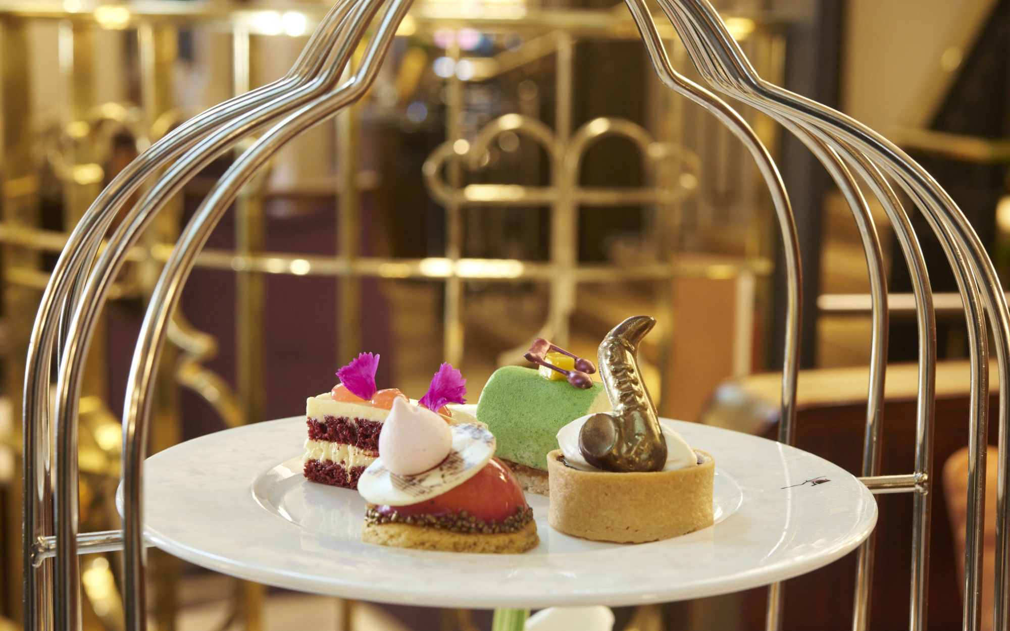 best afternoon tea london chic places for cake in the capital