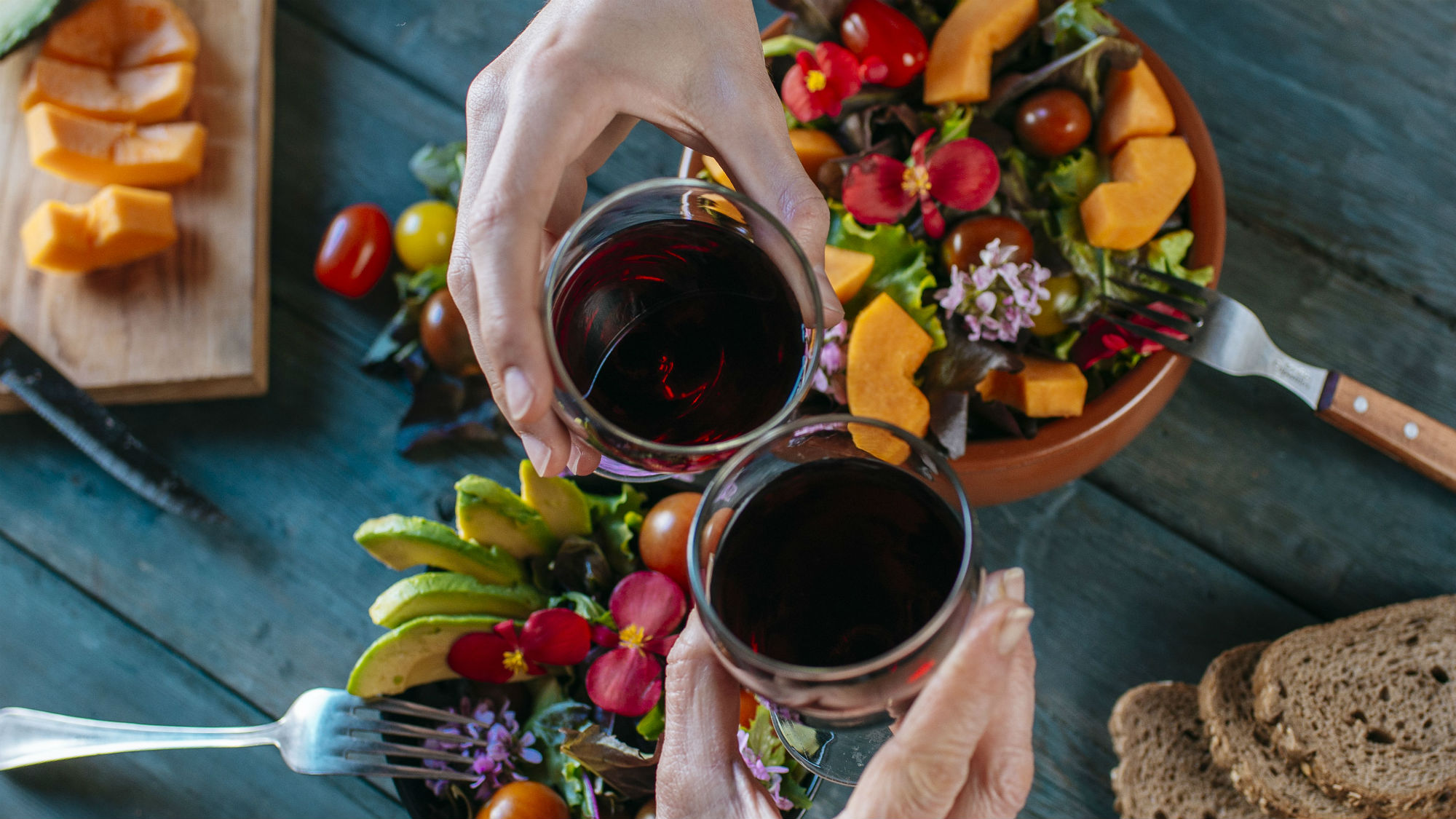 A diet that encourages red wine and chocolate Sign us up
