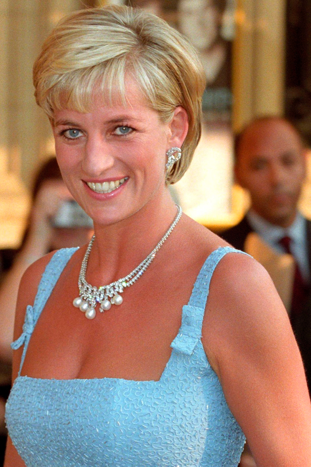 Princess Diana S Iconic Diamond And Pearl Necklace Is Up