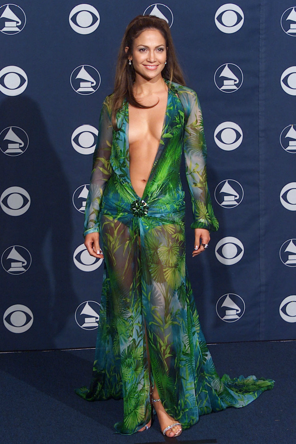 This Jennifer Lopez outfit is the reason Google image search was ...