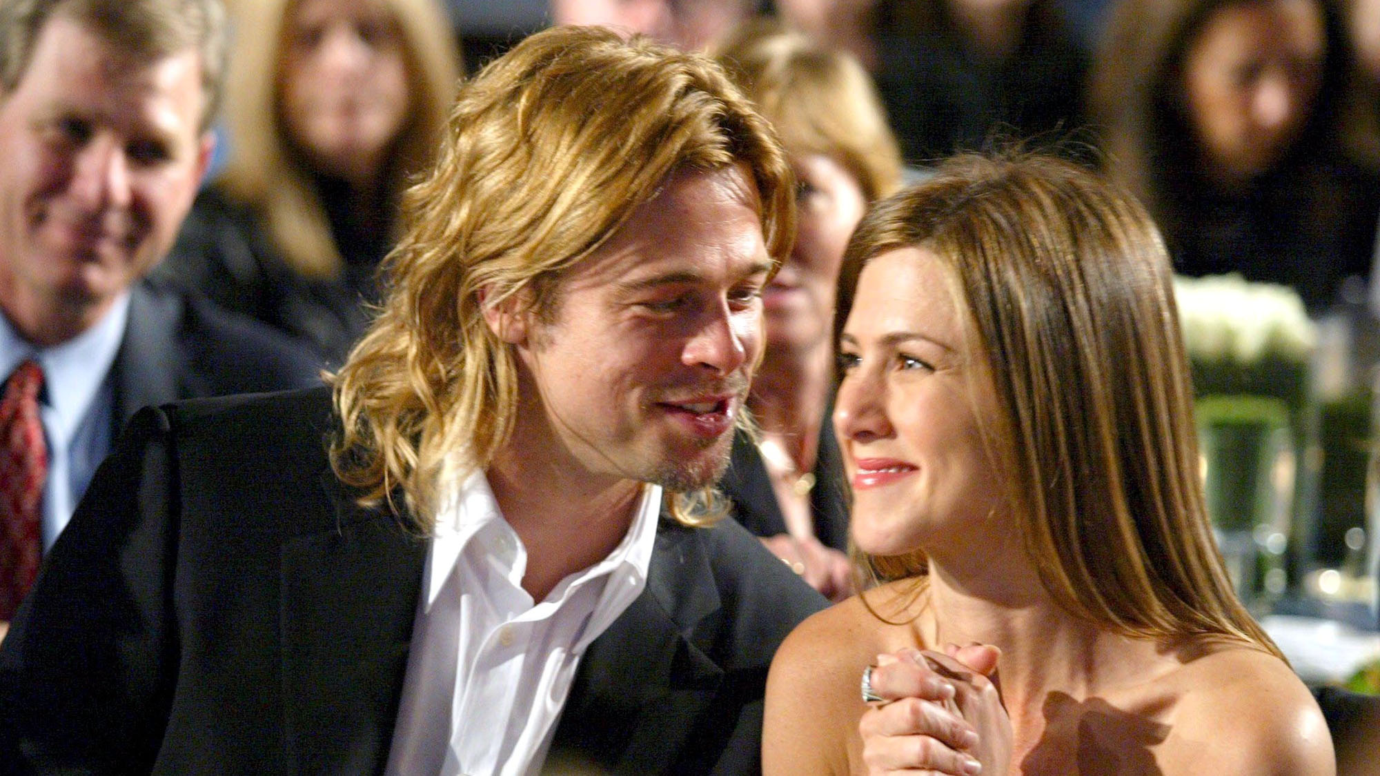 this is what brad pitt has been texting jennifer aniston