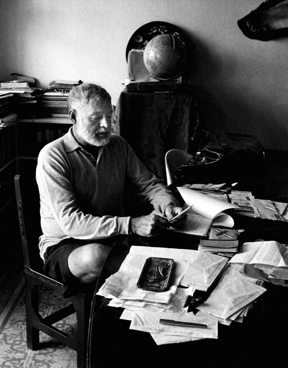 how many books did ernest hemingway write Soon after the publication of the sun also rises, hemingway and hadley  divorced, due in  during this time, hemingway finished his celebrated world  war i novel a farewell to arms,  in 1951, hemingway wrote the old man and  the sea, which would become  ernest hemingway - for whom the bell tolls(tv -pg 2:09.