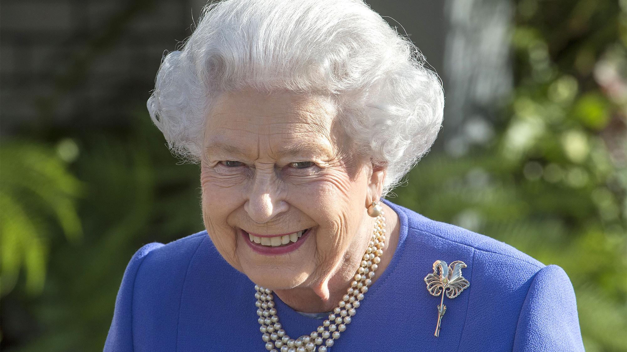 Queen Elizabeth Reveals She Was Bored At Her Father's ...