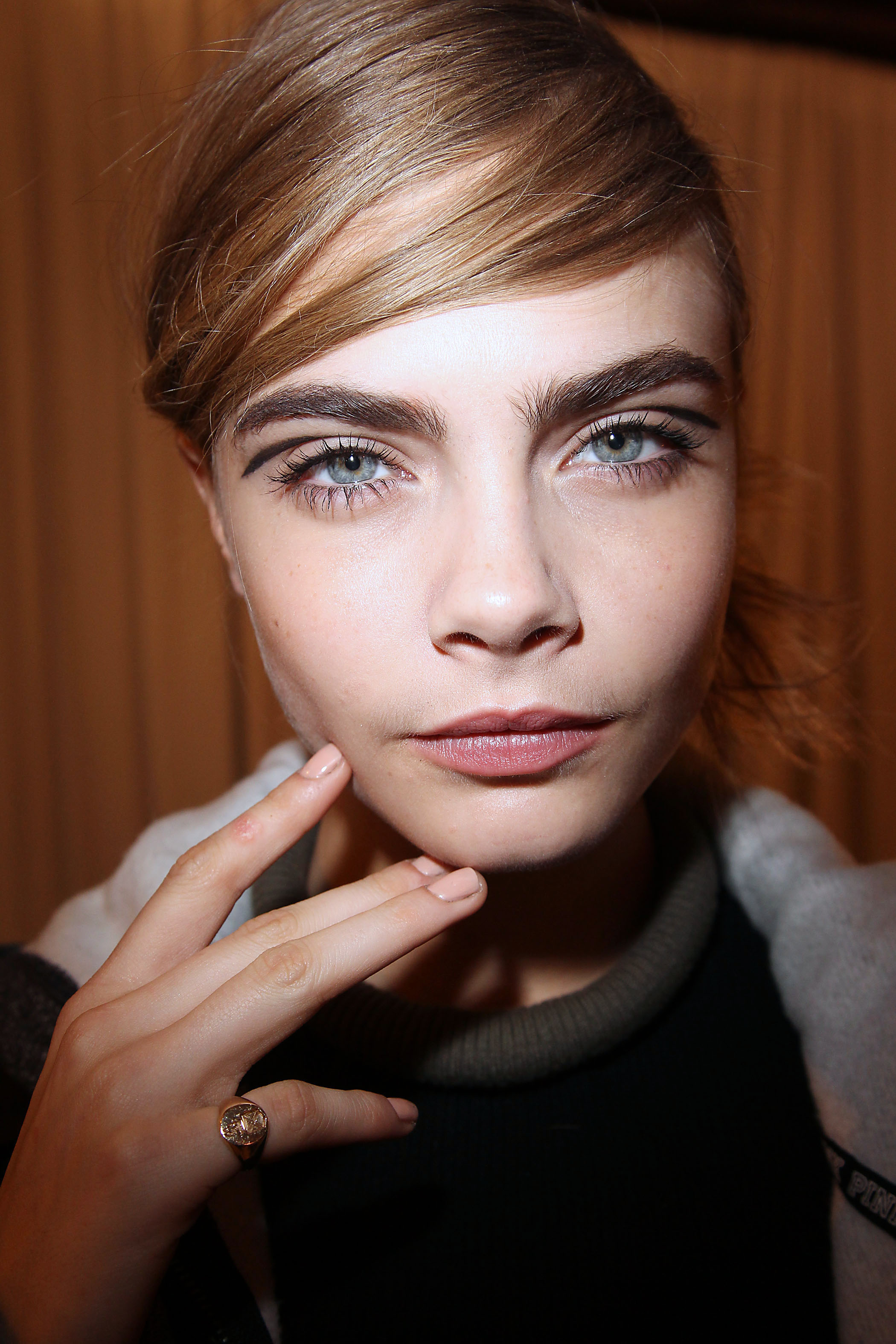 Here's how to fix your thinning eyebrows