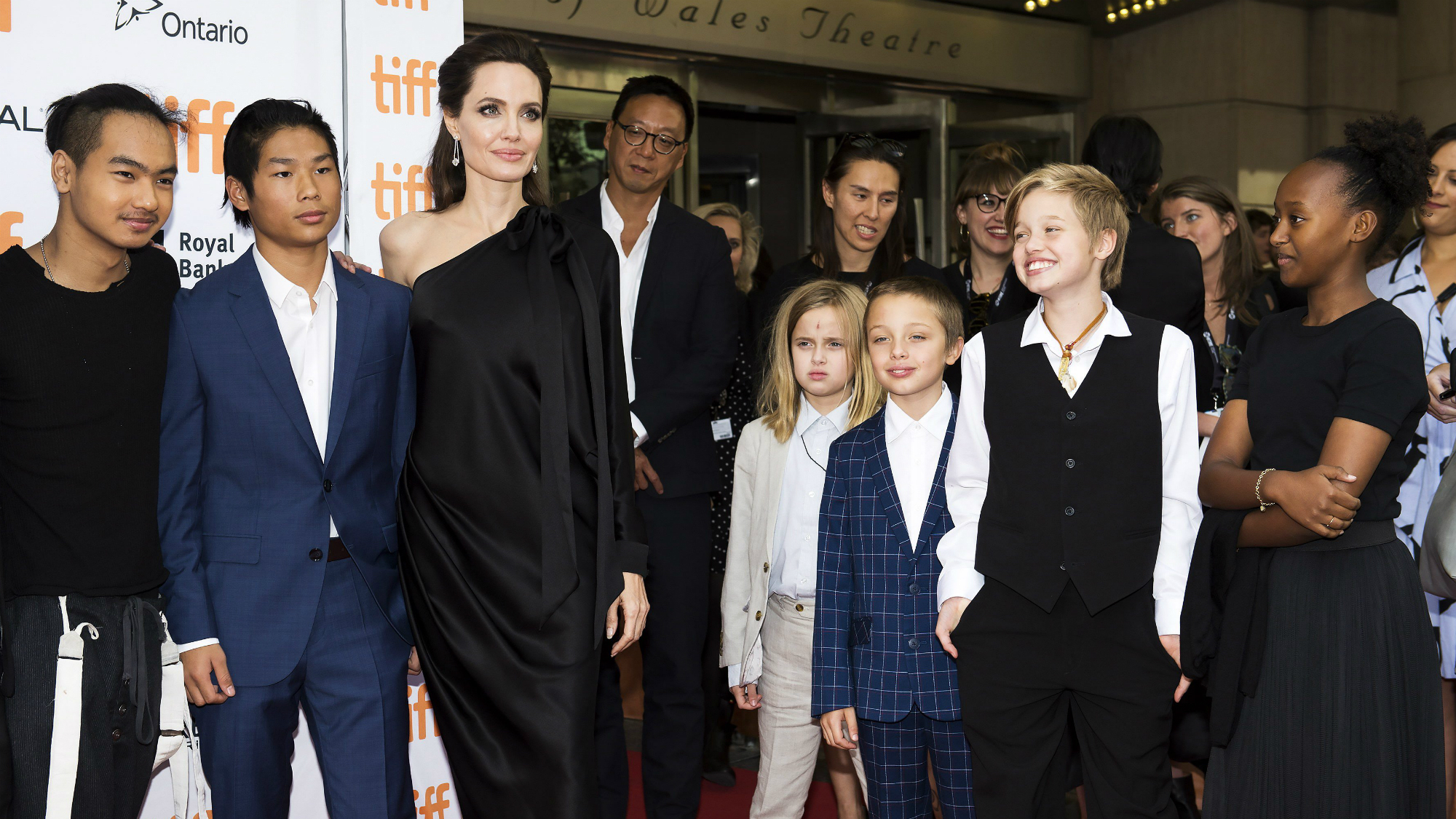 Angelina Jolie's Son Opens Up About His Mum In His First ... брэд питт и анджелина джоли