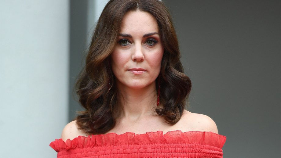 This Is Why Kate Middleton Will Never Wear Wedges Around ...