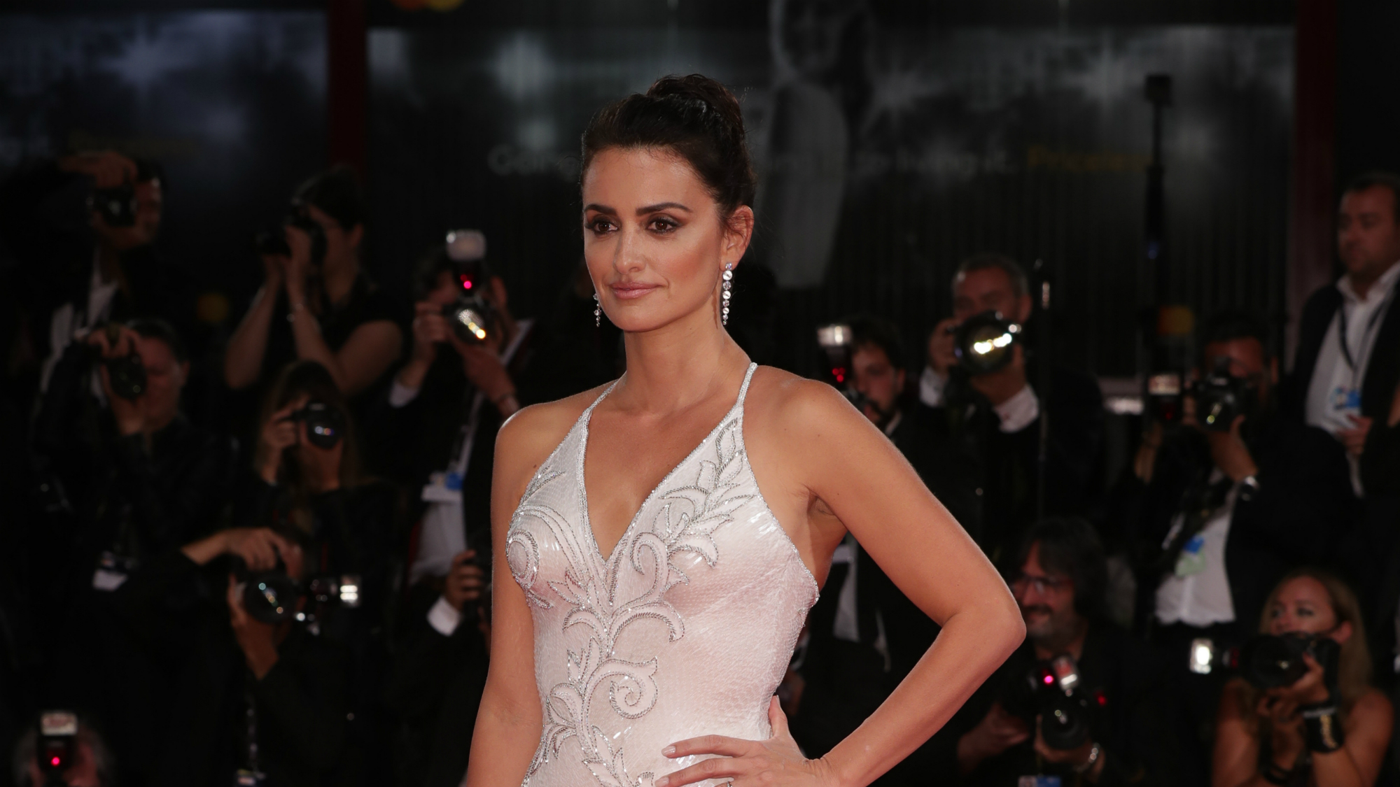 Penelope Cruz seriously put this interviewer in their place for asking this