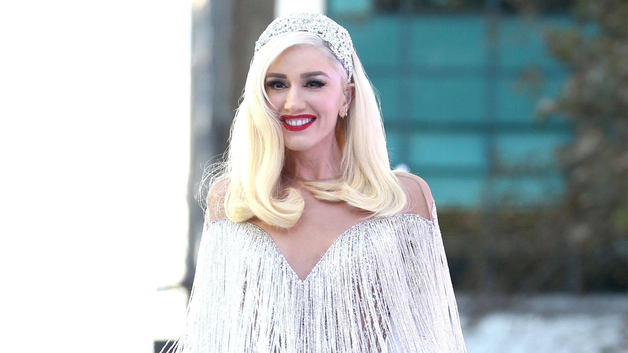 Gwen Stefani On Heartbreak Space Buns And Her Love Of Red Lipstick