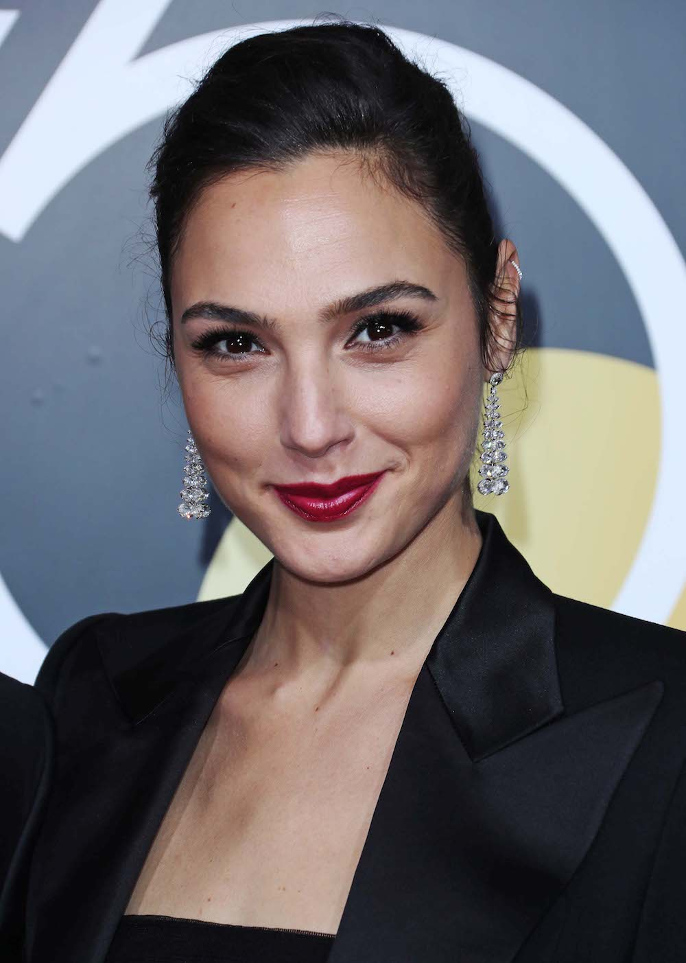 You Can Buy Gal Gadot's Exact Golden Globes Lipstick For Just £7.50
