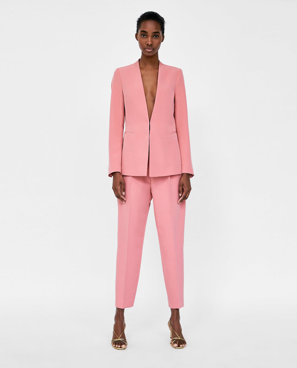 7fdbca1fca This Pink Zara Suit Is Literally Everywhere And It's CEO Chic