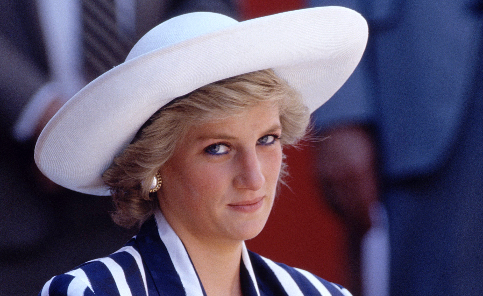 The Secret Tactic Princess Diana Used To Keep Her Signature Haircut