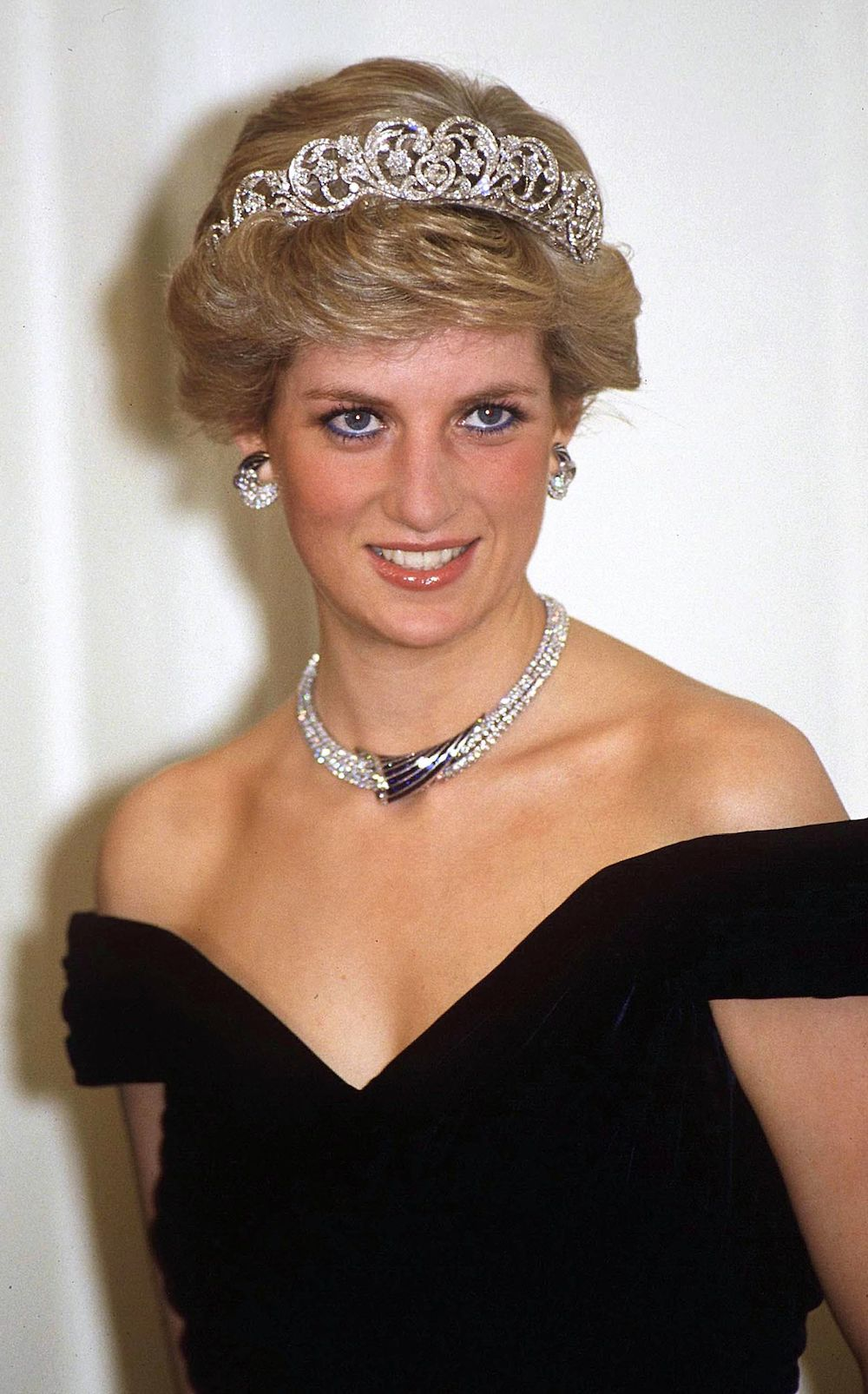 The Secret Tactic Princess Diana Used To Maintain Her Signature