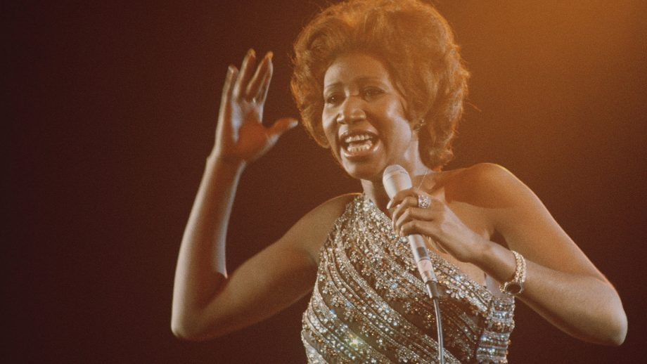 Why aretha franklin always carried her purse stage