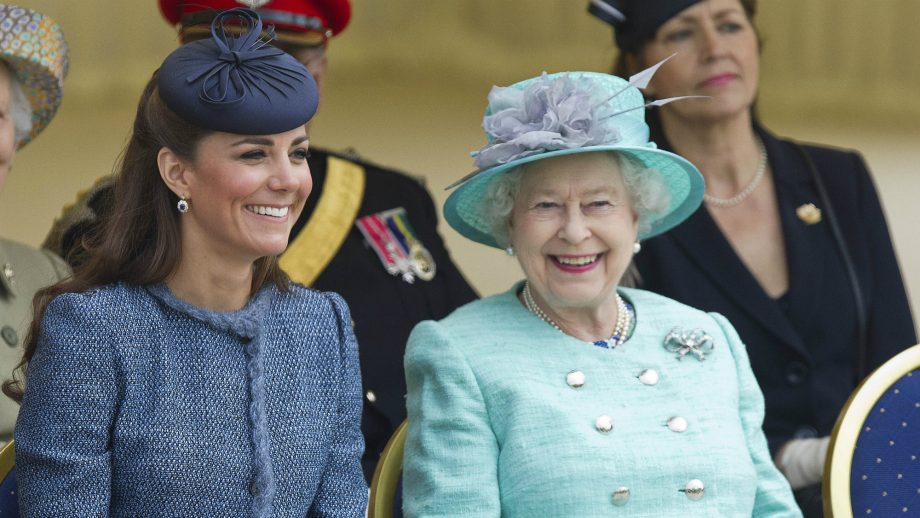 There's a reason Kate Middleton and the Queen never take off their coats