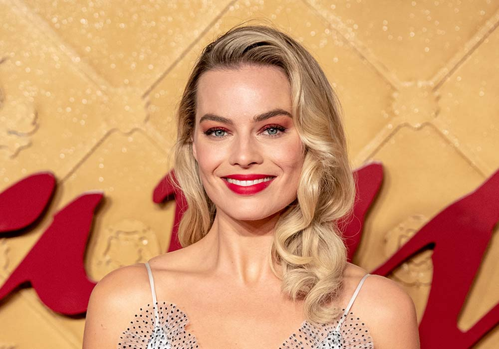 hairstyles for square faces Margot Robbie