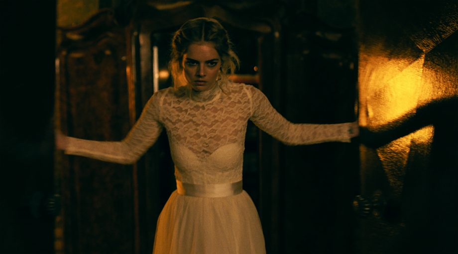Samara Weaving talks becoming a dark comedy action heroine and corpsing in thrillers