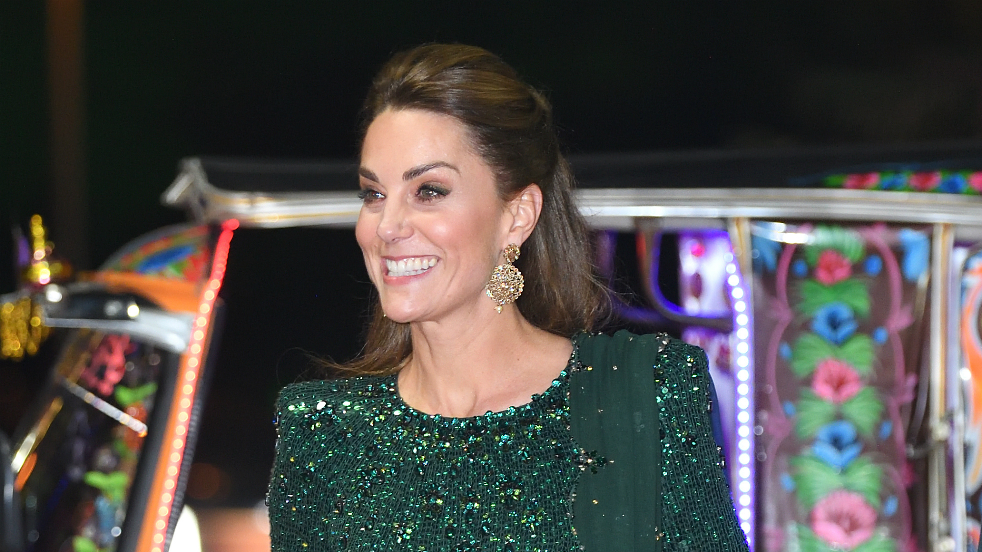 Prince William and Kate Middleton just arrived in a tuk tuk and we can't stop watching the video